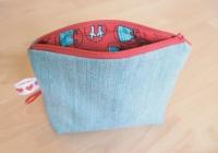 MEDIUM-005-jeans-clair-rouge-fermeture_rouge_01