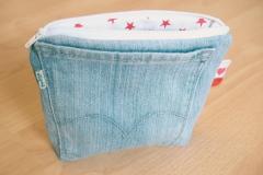 MEDIUM-004-jeans-clair-etoiles-fermeture_blanche_02